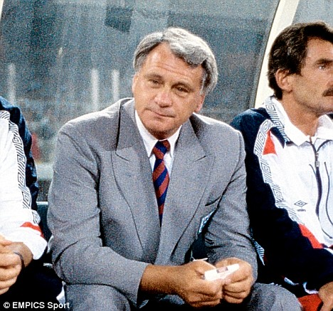 Sir Bobby Robson on the bench as England manager at the World Cup in Italy in 1990