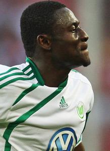 Obafemi-Martins-celeb-Cologne-v-Wolfsburg_2347837